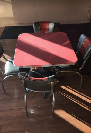 Table and chairs for Sale in Chicago, IL