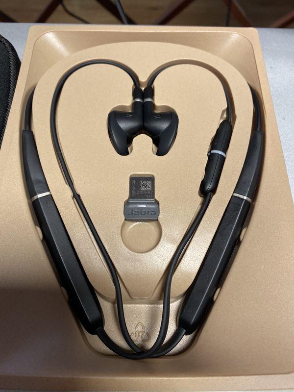Jabra evolve 65e earphones