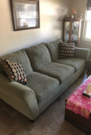 Couch for Sale in Clearwater, FL