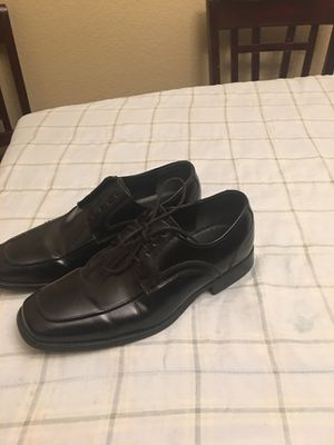 Black leather shoe almost new, pantunflas new, all shoes in a very good condition for Sale in El Centro, CA