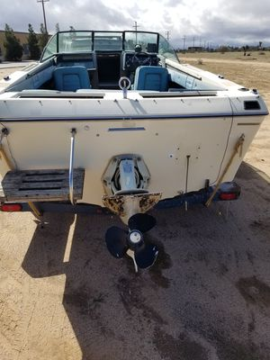 Boat parting out good prop engine locked for Sale in Hesperia, CA