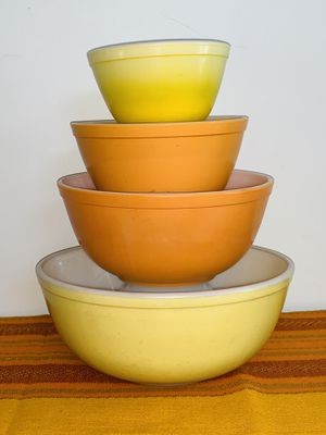PYREX NESTING MIXING BOWLS 1940's No Chips for Sale in Quincy, MA