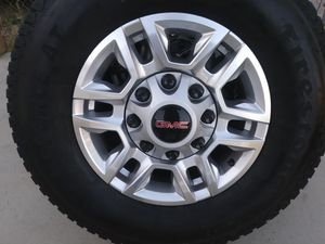 2020 gmc sierra 2500hd 17 new rims and new tires for Sale in Jurupa Valley, CA