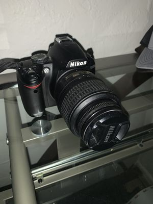 Nikon D3000 for Sale in La Habra, CA