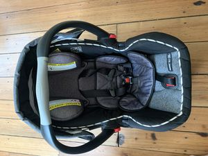 Graco Snugride 35LX infant car seat for Sale in Plain City, OH