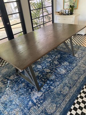 Crate and Barrel dining room table and chairs for Sale in Los Angeles, CA