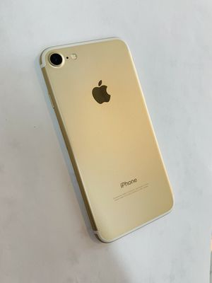 IPhone 7 (128 GB) Excellent Condition With Warranty for Sale in Cambridge, MA