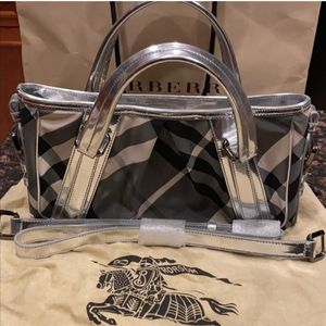 Authentic Burberry Cross Body for Sale in Odessa, FL
