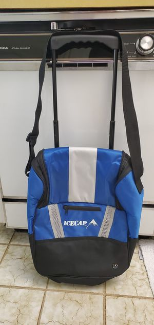 New Icecap Stand Up or Rolling Cooler Bag Approx 14 x 8 x 16 for Sale in Pompano Beach, FL