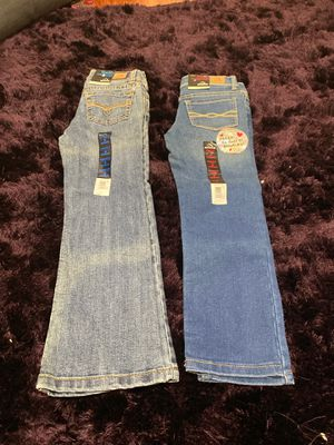 Two Girl pants size 5 for Sale in Boca Raton, FL