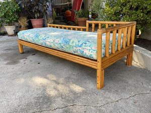 Vintage Mid Century Boho Rattan Bamboo Wicker Daybed for Sale in San Diego, CA