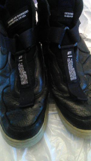 Used men's nike shoes for Sale in Hemet, CA