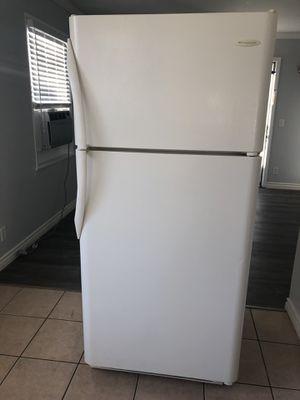 Frigidaire Top-Freezer Refrigerator for Sale in El Monte, CA