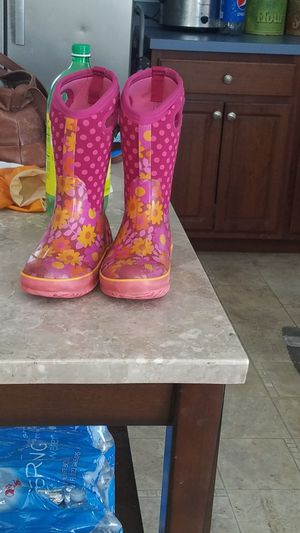 Girls Bogs winter boots for Sale in Buffalo, NY
