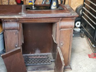 1910 Singer Sewing Machine for Sale in Philadelphia,  PA