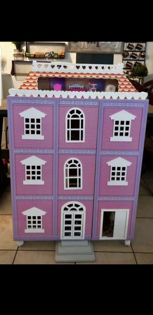 Beautiful Doll House for Sale in Las Vegas, NV