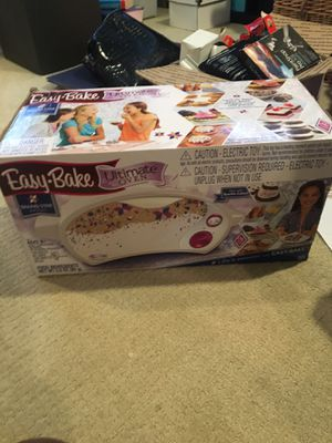 Easy Bake Ultimate Oven and Cookie Mix for Sale in Bismarck, ND
