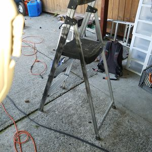 Short fold out ladder $20 for Sale in Everett, WA