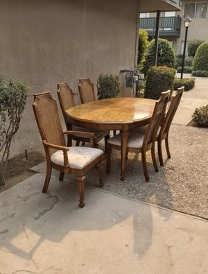 Furniture table and chairs for Sale in Fresno, CA