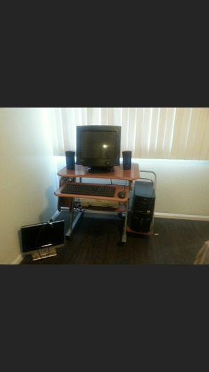 Computadora seminueva sin uso for Sale in Las Vegas, NV