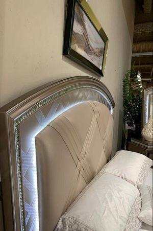 🧿BRAND NEW 🧿Cristal Gold LED Panel Bedroom Set for Sale in Jessup, MD