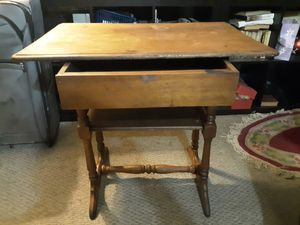 Antique wood table for Sale in Columbus, OH