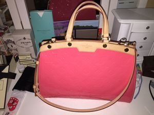 Limited color Louis Vuitton bag comes with everything LIKE NEW for Sale in Henderson, NV