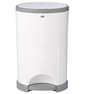 Dekor classic diaper pail (white) with 1 free refill! for Sale in Brooklyn, NY