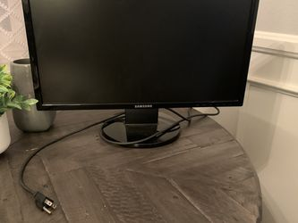 23 in. Samsung Monitor for Sale in Long Beach,  CA