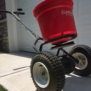 Seeder Spreader for sale | Only 4 left at -70%