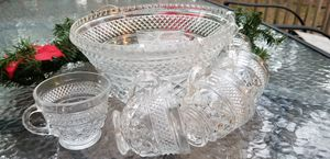 Lead crystal punch bowl with 8 crystal cups and cup hangers for Sale in Miccosukee, FL