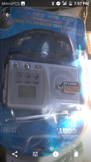 Am/fm with alarm clock for Sale in Hammonton, NJ