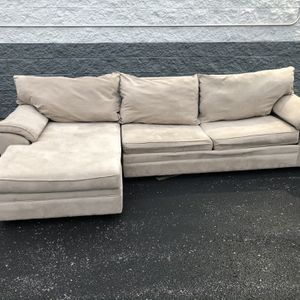 Sectional With Pull Out Bed for Sale in Florissant, MO