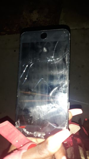 Cracked screen......iphone 8 +... tmobile....screen lock.... pick up only for Sale in Long Beach, CA