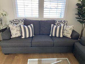 Couch, love seat for Sale in Fontana, CA