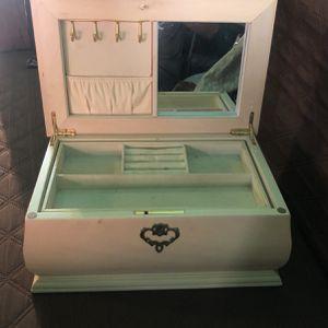 Caja for Sale in Austin, TX