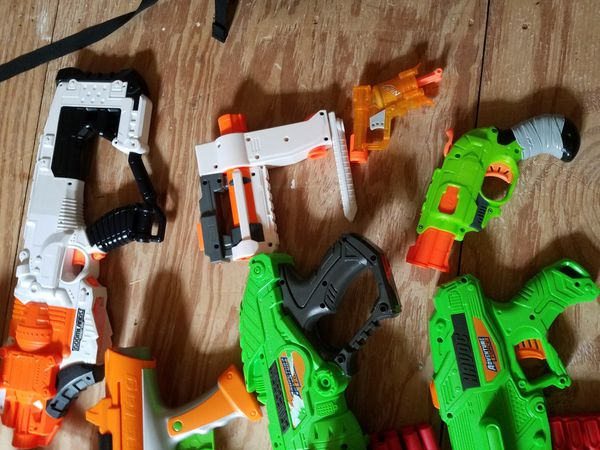 A whole bunch of Nerf and Adventure Force guns