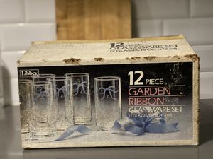 Libbey Vintage 12 piece glassware set, Garden Ribbon Pattern for Sale in The Bronx, NY