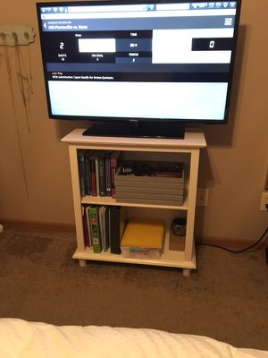 Small Book shelf/ tv stand for Sale in Terre Haute, IN