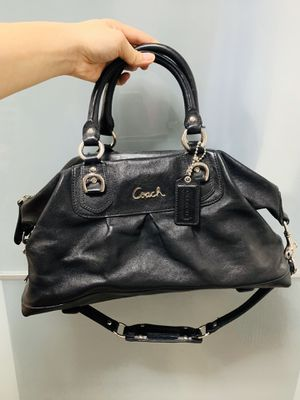 Coach bag (Authentic) for Sale in Brooklyn, NY