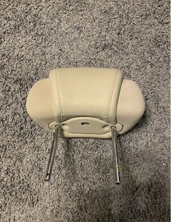 g37 head rest with speakers (parts)