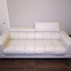 2 White Leather Couches for Sale in Dallas, TX