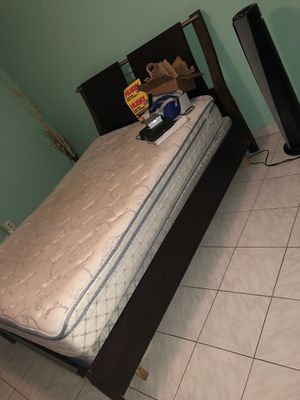 Queen Mattress for Sale in Miami, FL