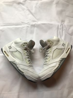 Jordan 5 white metallic for Sale in Covina, CA