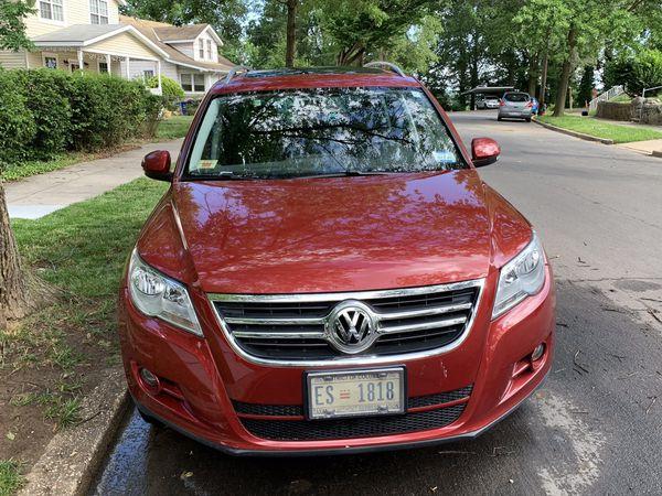 2009 Volkswagen Tiguan (Low Miles)