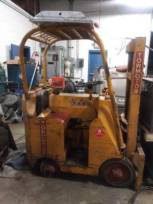 Towmotor hilo for Sale in Roseville, MI