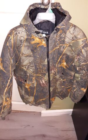 Camo hunting coat for Sale in Weiner, AR