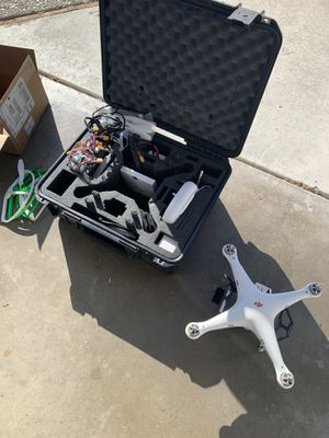 DJI phantom - Flys Great with lots of batteries and extras for Sale in Tracy, CA