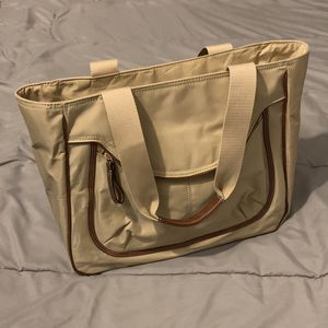 Women's Nine Wear Shoulder Hand Bag for Sale in San Jacinto, CA