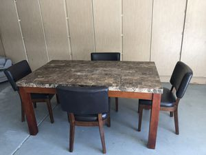Kitchen table and 4 chairs for Sale in Mesa, AZ